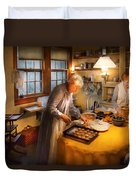 Chef - Kitchen - Coming Home For The Holidays Duvet Cover