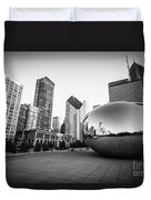 Chicago Bean And Chicago Skyline In Black And White Duvet Cover