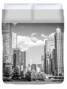 Chicago Cityscape Black And White Picture Duvet Cover by Paul Velgos