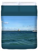 Chicago Illinois Harbor Lighthouse And Little Lady Tour Boat Usa Duvet Cover