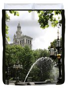City Hall Park And Fountain Duvet Cover