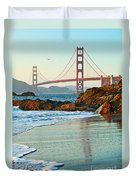 Classic - World Famous Golden Gate Bridge With A Scenic Beach And Birds. Duvet Cover