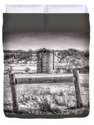 Corner Posts And Silo Duvet Cover
