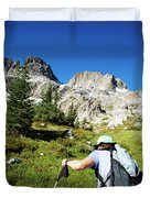 Cropped Rear View Of A Female Hiker Duvet Cover