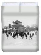 Detroit Michigan Skating At Belle Isle Duvet Cover