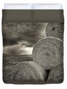 Distant Thunderstorm Approaches Hay Bales E90 Duvet Cover