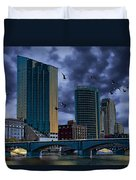 Downtown Grand Rapids Michigan By The Grand River With Gulls Duvet Cover