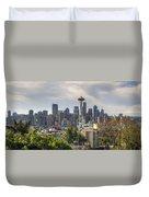 Downtown Seattle Skyline With Mount Rainier Duvet Cover