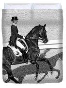Dressage Une Noir Duvet Cover