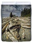 Driftwood And Sea Stacks On Ruby Beach Duvet Cover