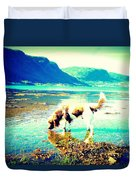 Springer Spaniel Drinking Water From The Big Blue Sea  Duvet Cover