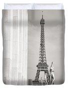 Eiffel Tour Paris Black And White Duvet Cover