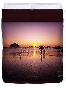 Family On Beach Face Rock Bandon Duvet Cover
