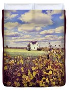 Farmhouse And Grapevines Duvet Cover