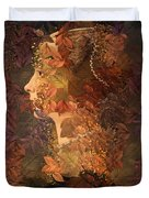 Femme D Automne Duvet Cover