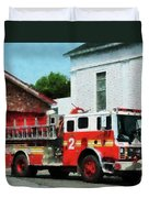 Fireman - Fire Engine In Front Of Fire Station Duvet Cover
