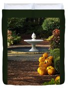 Fountain And Pumpkins At The Elizabethan Gardens Duvet Cover