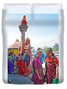 Gathering At Hindu Festival Of Ram Nawami In Kathmandu-nepal Duvet Cover
