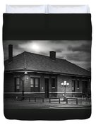 Train Depot At Night - Noir Duvet Cover