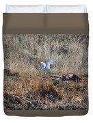 Great Egret Takes Flight Duvet Cover