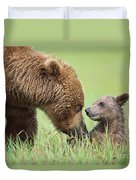 Grizzly Bear And Cub In Katmai Duvet Cover