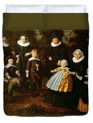 Group Portrait Of Three Generations Of A Family In The Grounds Of A Country House Oil On Canvas Duvet Cover