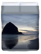 Haystack Rock On Cannon Beach Oregon Evening Duvet Cover