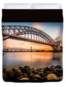 Hell Gate And Triboro Bridge At Sunset Duvet Cover