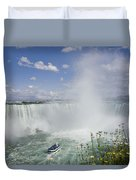 Horseshoe Falls With Maid Of The Mist Duvet Cover by Peter Mintz