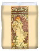 La Dame Duvet Cover