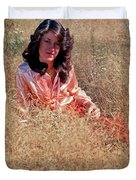 Lady In The Grass - Vert Duvet Cover