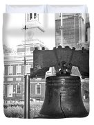 Liberty Bell And Independence Hall Bw Duvet Cover