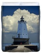Lighthouse At The End Of The Pier In Ludington Michigan Duvet Cover