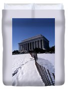 Lincoln Memorial In The Snow Duvet Cover