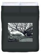 Lion Dog And Tree - Liliuokalani Park - Hawaii Duvet Cover