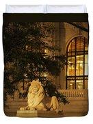 Lion Statue In New York City Duvet Cover
