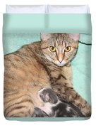 Mama Cat And Her Kittens Duvet Cover