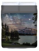 Milky Way Over Mt Rundle Duvet Cover