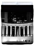 Millennium Monument And Fountain Chicago Duvet Cover