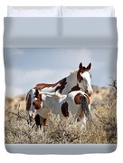 Momma And Baby In The Wild Duvet Cover