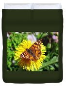Monarch Butterfly Feeding On A Yellow Dandelion Flower Duvet Cover
