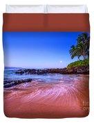 Moonrise Over Maui Duvet Cover