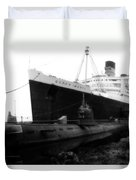 Morning Fog Russian Sub And Queen Mary 01 Bw Duvet Cover
