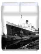 Morning Fog Russian Sub And Queen Mary 02 Bw Duvet Cover