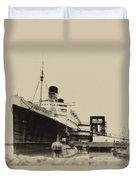 Morning Fog Russian Sub And Queen Mary Heirloom Duvet Cover