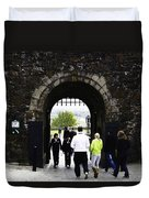 Oil Painting - Staff And Tourists At The Entrance Of Stirling Castle Duvet Cover