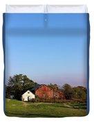 Old Barn At Sunset Duvet Cover
