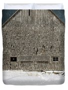 Old Barn In A Snow Storm Duvet Cover