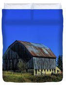 Old Broken Down Barn In Ohio Duvet Cover