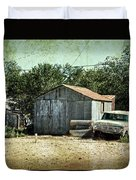 Old Garage And Car In Seligman Duvet Cover